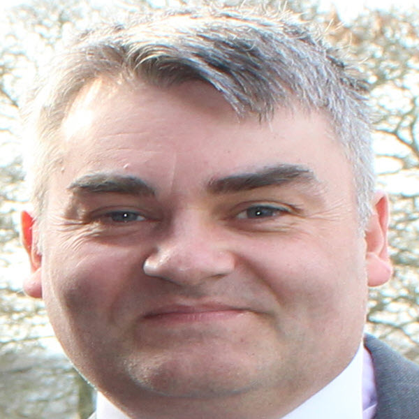 Ian Dixon