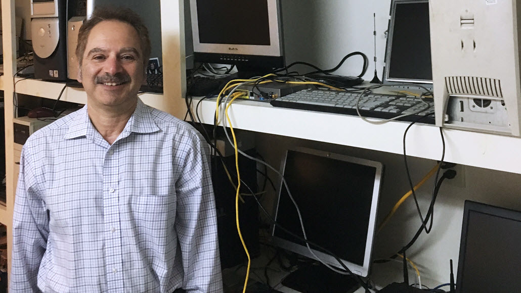 This Eye Surgeon Brings Old Computers to Back to Life with Windows 10 - Windows Insider